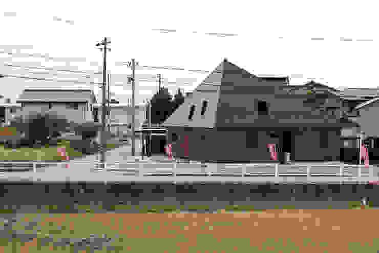 10*10_Haus ラスティックな 家 の 有限会社 法澤建築デザイン事務所 ラスティック 金属