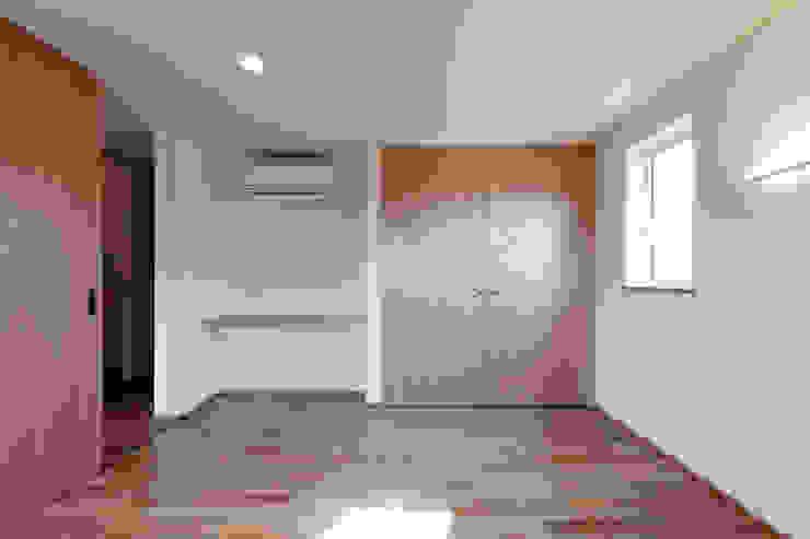 10*10_Haus ラスティックスタイルの 寝室 の 有限会社 法澤建築デザイン事務所 ラスティック