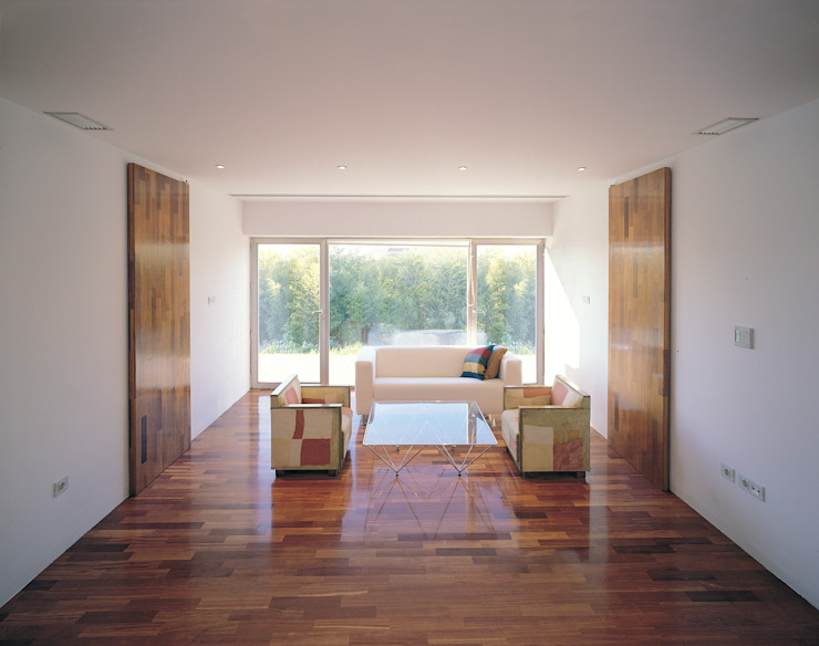 Transformación de cobertizo en vivienda de MARTIN MARTIN ARQUITECTOS