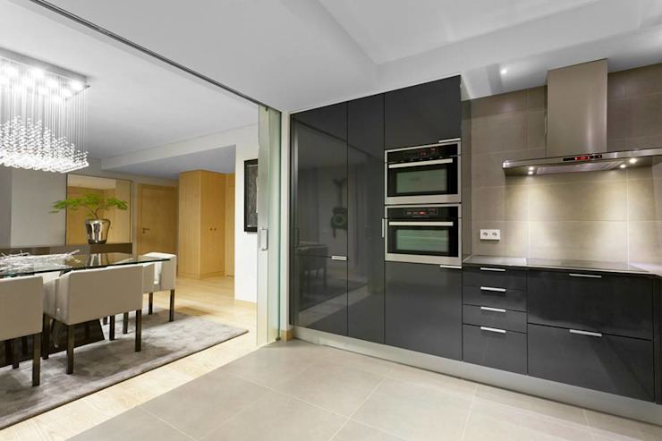 Modern Kitchen by Sónia Cruz - Arquitectura Modern