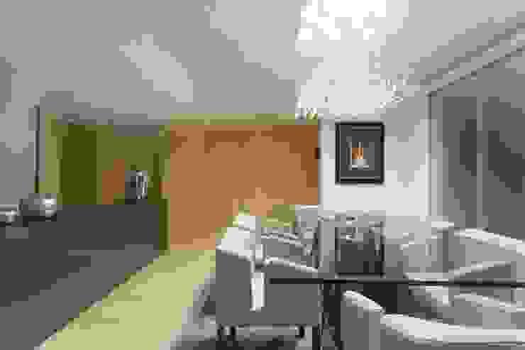 Salle à manger moderne par Sónia Cruz - Arquitectura Moderne