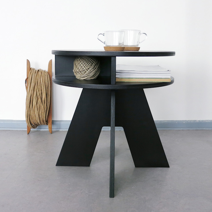 homify Living roomSide tables & trays Wood Black