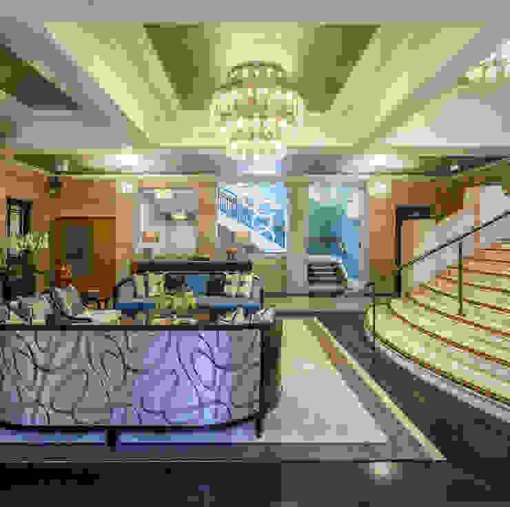 The lobby space was also redesigned by Goddard Littlefair от Goddard Littlefair Классический