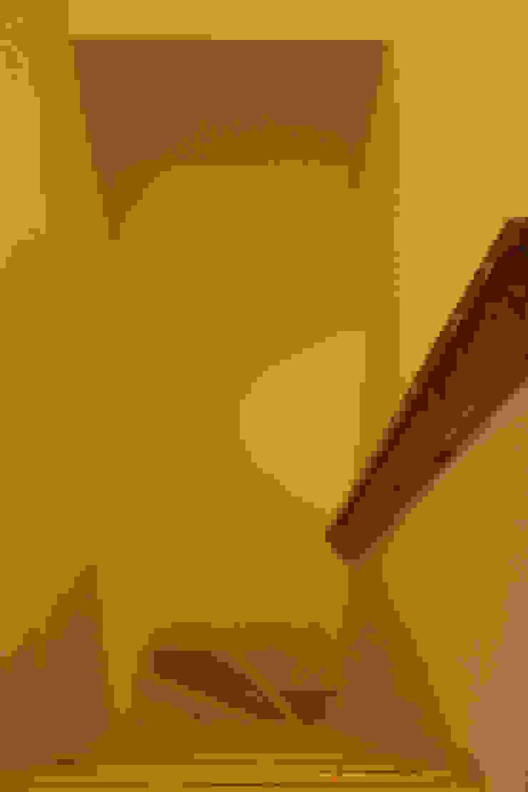 ジサ01S 和風の 玄関&廊下&階段 の 株式会社FESCH一級建築士事務所 和風
