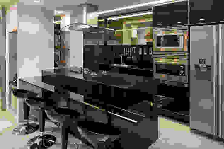 Duplex Costa Cozinhas modernas por Renata Dutra Arquitetura Moderno