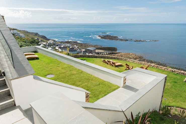 Gwel-An-Treth, Sennen Cove, Cornwall Balcone, Veranda & Terrazza in stile moderno di Laurence Associates Moderno