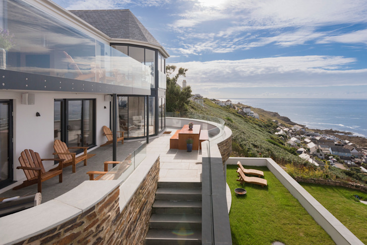Gwel-An-Treth, Sennen Cove, Cornwall Laurence Associates Modern style balcony, porch & terrace