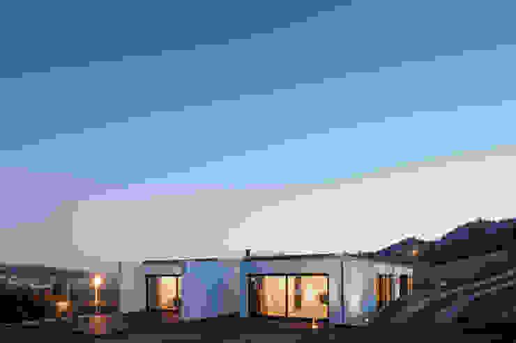 por Fcc Arquitectura Minimalista