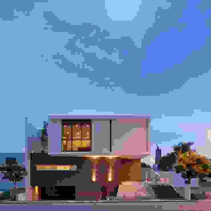 房子 by Tacher Arquitectos,