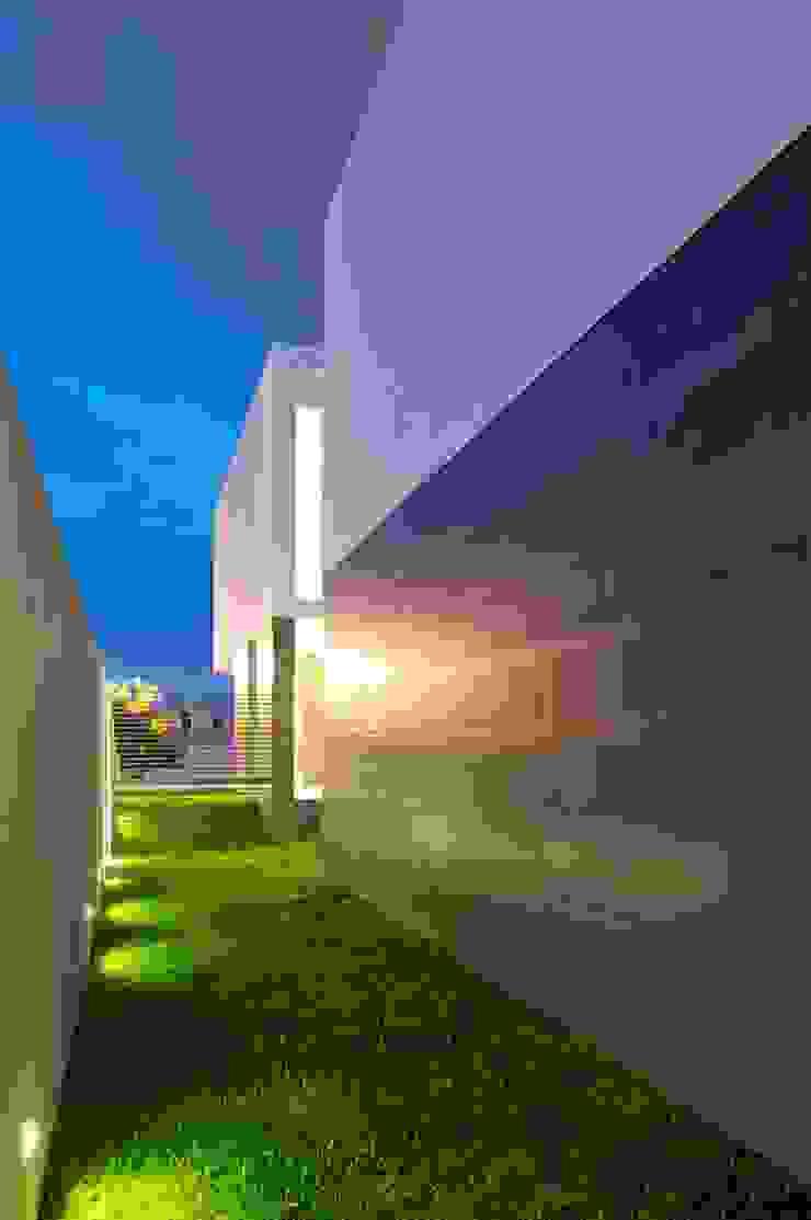 โดย Tacher Arquitectos โมเดิร์น