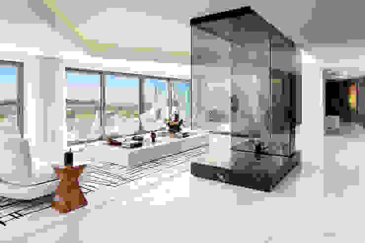Cascais Penthouse Salas de estar minimalistas por GAVINHO Architecture & Interiors Minimalista Algodão Vermelho