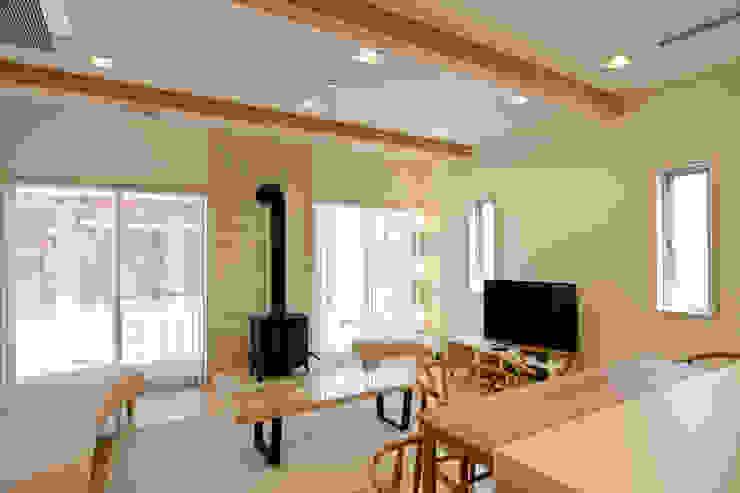 齋藤邸 北欧デザインの リビング の 株式会社深田建築デザイン研究所 北欧