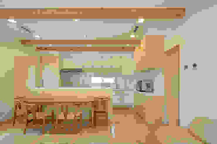 齋藤邸 北欧デザインの キッチン の 株式会社深田建築デザイン研究所 北欧