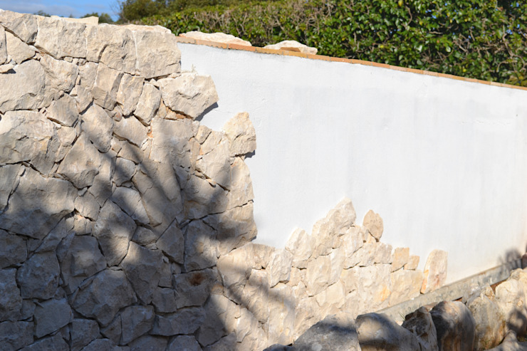 Pedras Decorativas Casas rústicas por RenoBuild Algarve Rústico