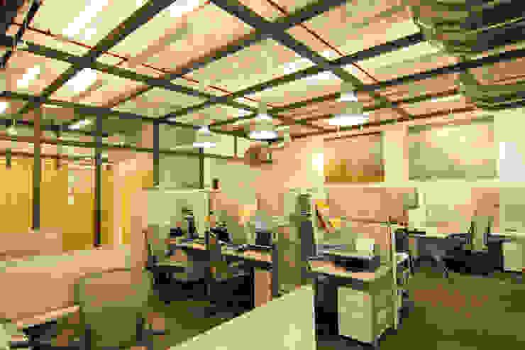 Grupo Da Vinci Edificios de oficinas de estilo moderno de Boué Arquitectos Moderno