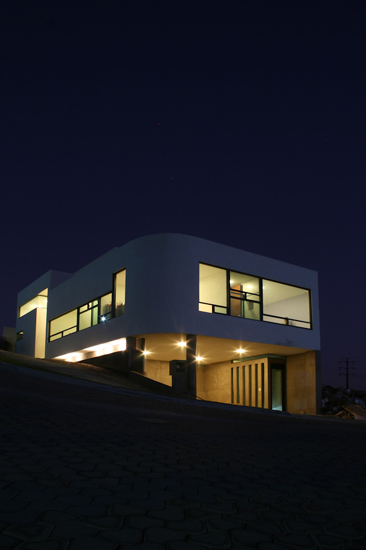 wrkarquitectura Modern houses White
