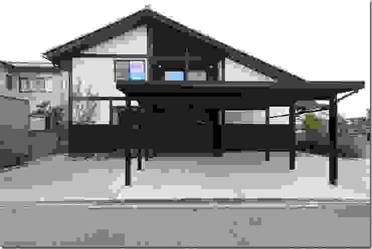 藤の木の家 日本家屋・アジアの家 の 坂東建築設計室 和風
