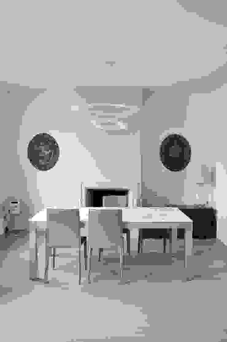 Modern Living Room by RIZZINELLI & VEZZOLI ARCHITETTI ASSOCIATI Modern