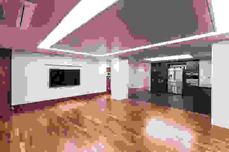 갤러리하우스 모던스타일 거실 by 디자인사무실 모던 우드 우드 그레인