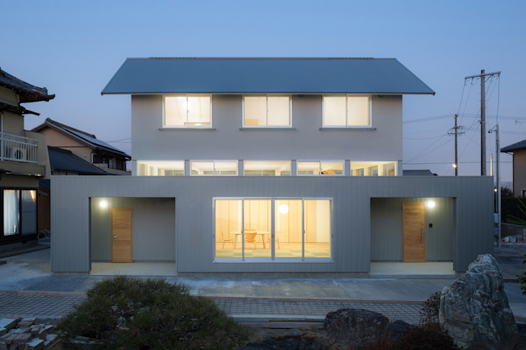 Eclectic style houses by 後藤周平建築設計事務所 Eclectic Metal