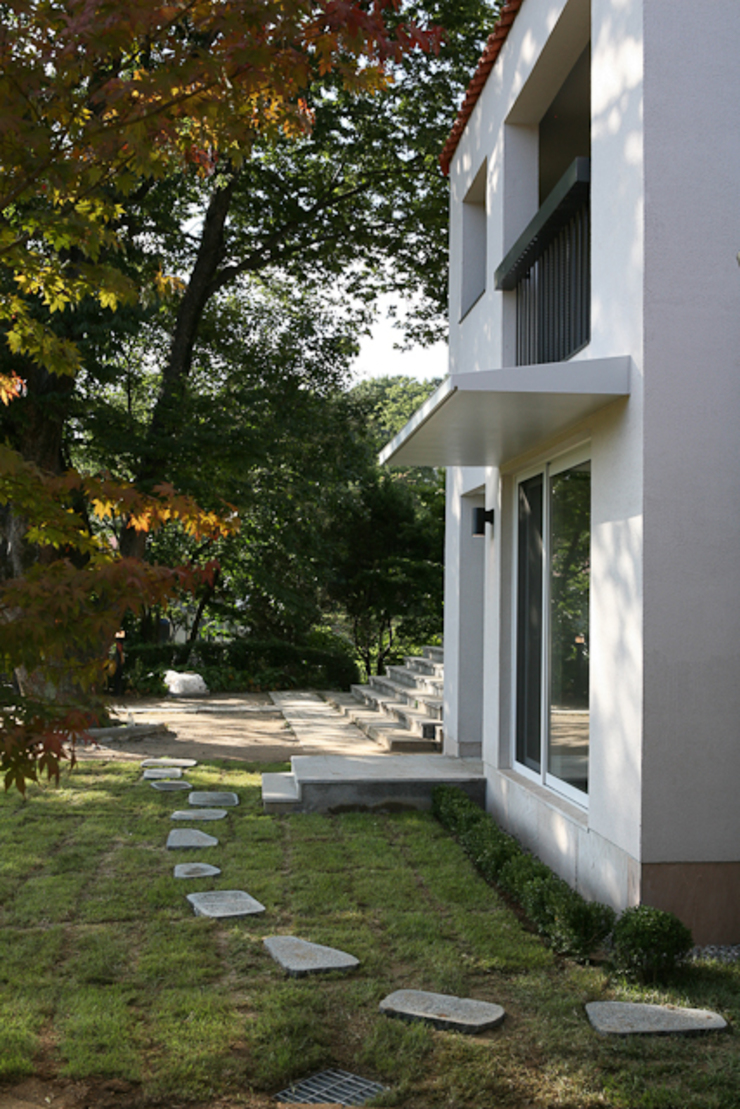 yp house 모던스타일 정원 by IDÉEAA _ 이데아키텍츠 모던