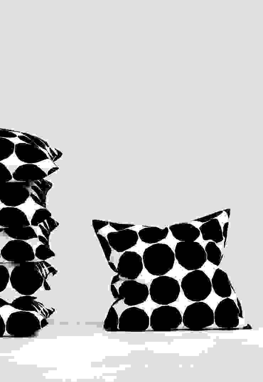 Marimekko - Pienet Kivet Kissenbezug Connox SchlafzimmerTextilien
