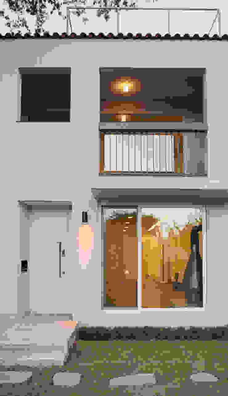 yp house 모던스타일 주택 by IDÉEAA _ 이데아키텍츠 모던