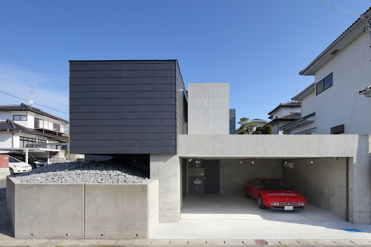 Moderne huizen van 有限会社Kaデザイン Modern Steen