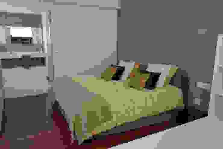 Vivienda Unifamiliar en Rubí Dormitorios de estilo moderno de SRS Arquitectura y Urbanismo SLP Moderno