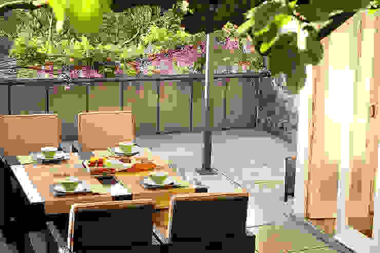 Exterior: Jardins  por MANUEL CORREIA FERNANDES, ARQUITECTO E ASSOCIADOS,