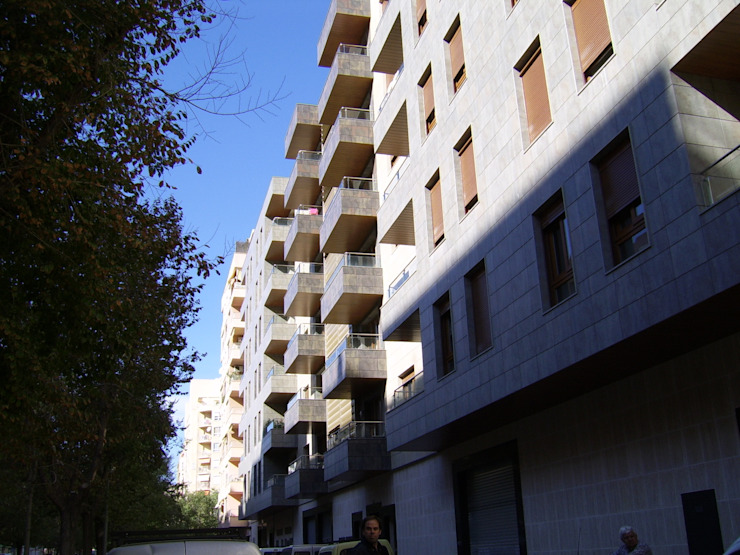 Casas de estilo mediterráneo de ABAD Y COTONER, S.L. Mediterráneo