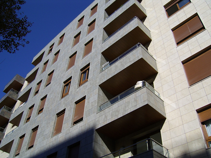 ABAD Y COTONER, S.L. Mediterranean style houses