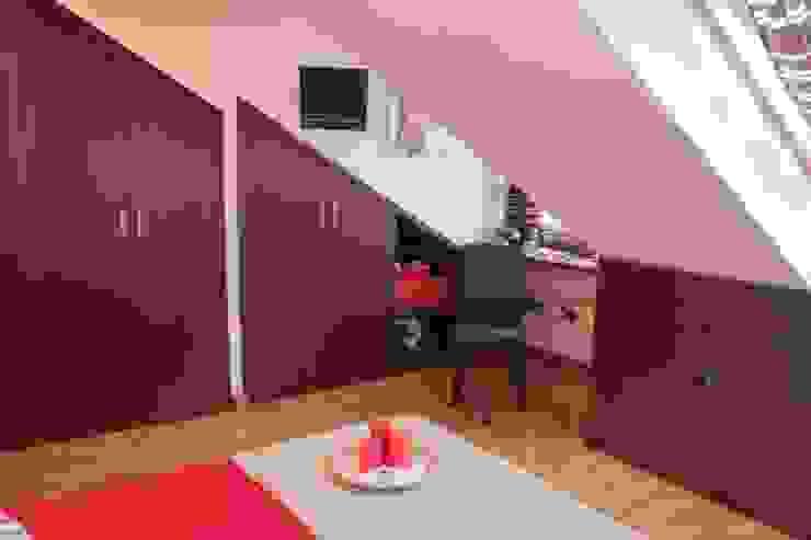 Ático 45 m² Salones de estilo clásico de Karol Pidal Clásico