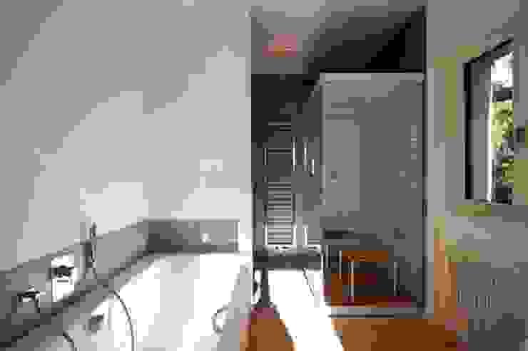 Moderne spa's van WAF Architekten Modern