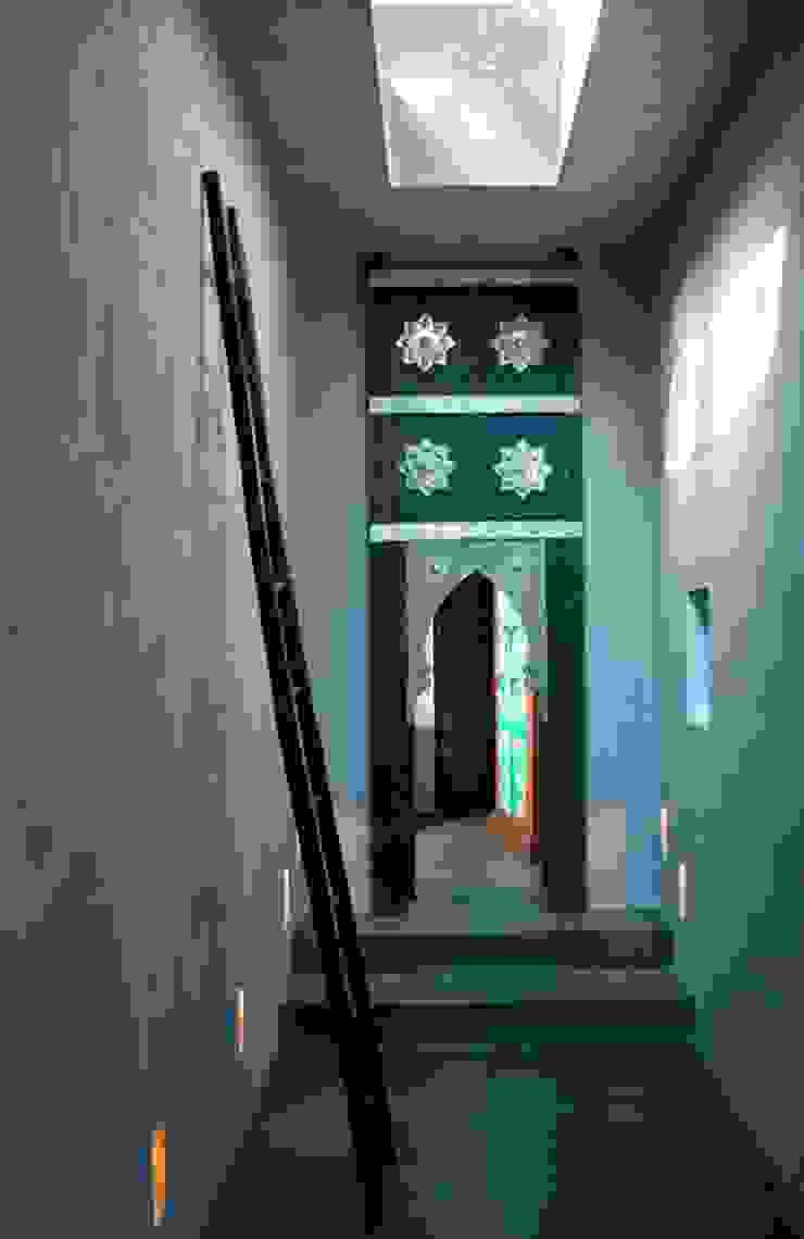 CASA . Quinta do lago COISAS DA TERRA Corredores, halls e escadas ecléticos