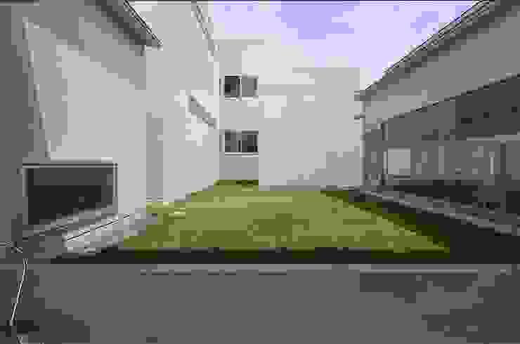 COUMA+house H モダンデザインの 多目的室 の 吉村寿博建築設計事務所 モダン