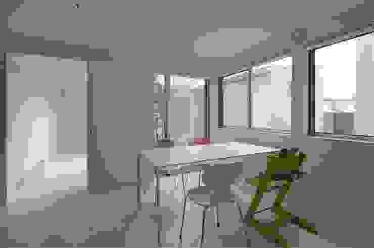 COUMA+house H モダンデザインの ダイニング の 吉村寿博建築設計事務所 モダン