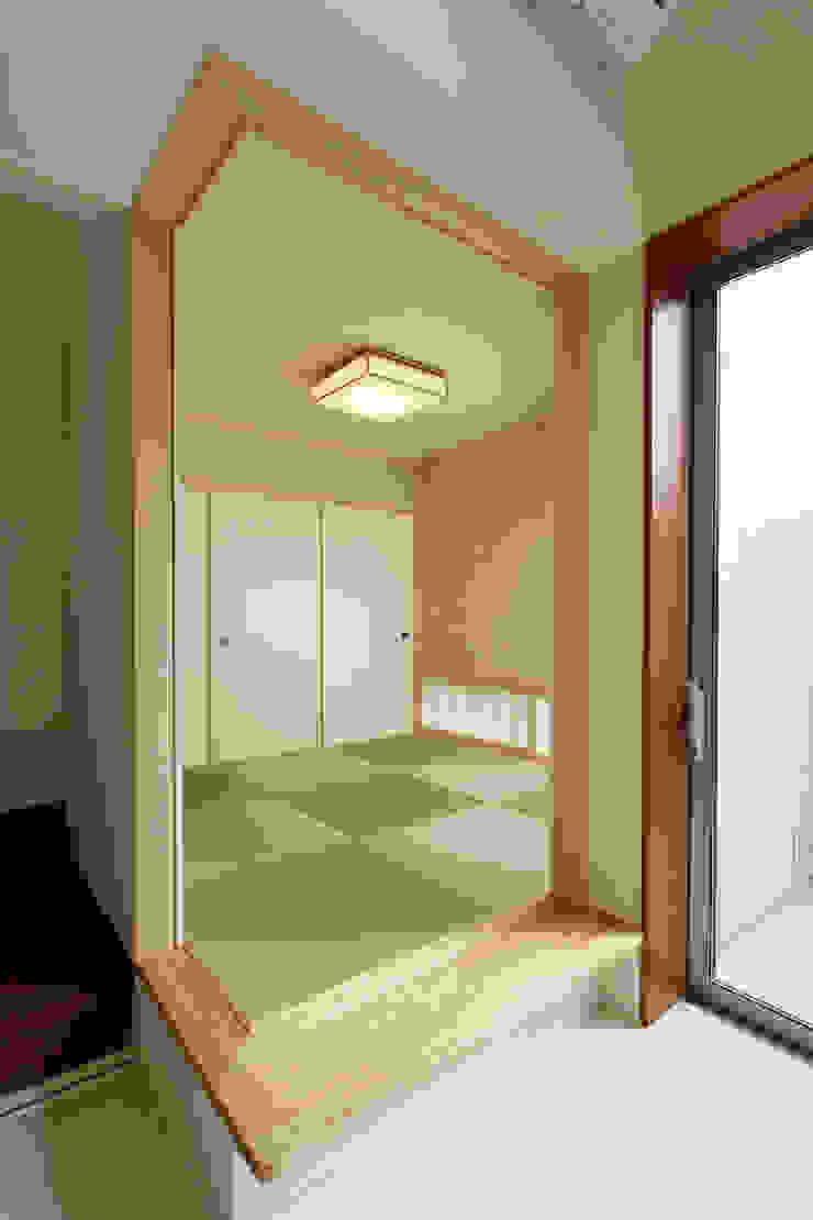 都島の家 モダンデザインの 多目的室 の 一級建築士事務所 Eee works モダン