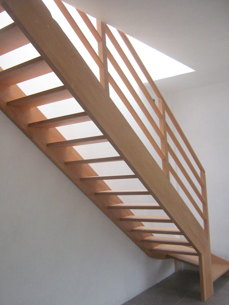 escalera de haya 1/4 de vuelta izq Pasillos, vestíbulos y escaleras modernos de L atelier Moderno