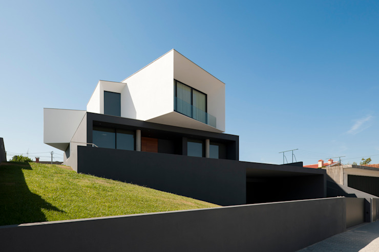 Minimalist houses by Urban Core Minimalist