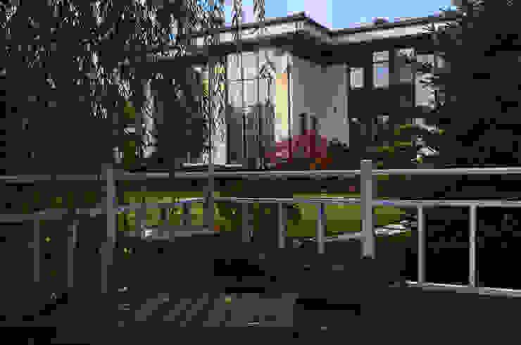Загородный дом в поселке Графские пруды, МО: Сады в . Автор – Des Formes,