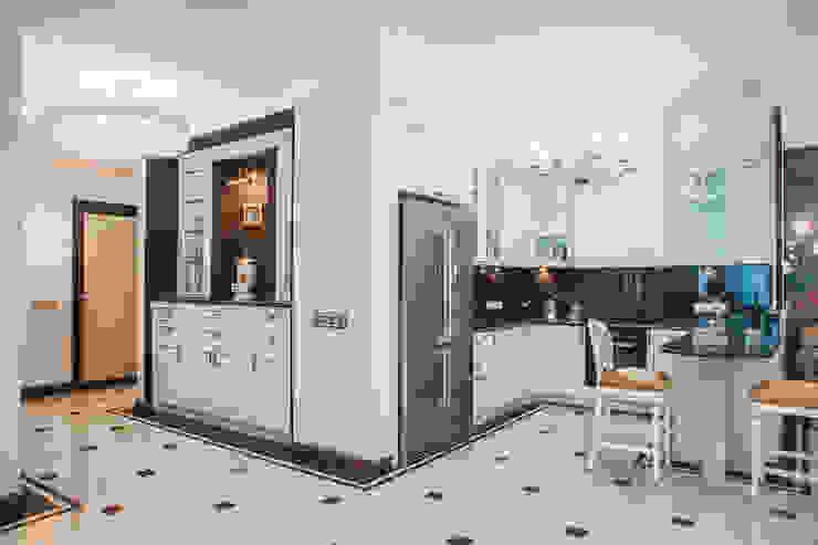 апартаменты в Ялте Кухня в классическом стиле от Дорогой Дом Классический