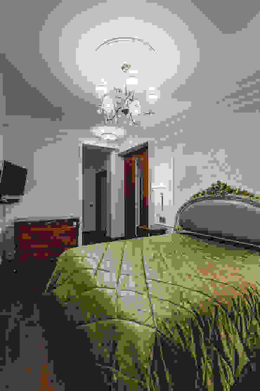 апартаменты в Ялте Спальня в классическом стиле от Дорогой Дом Классический