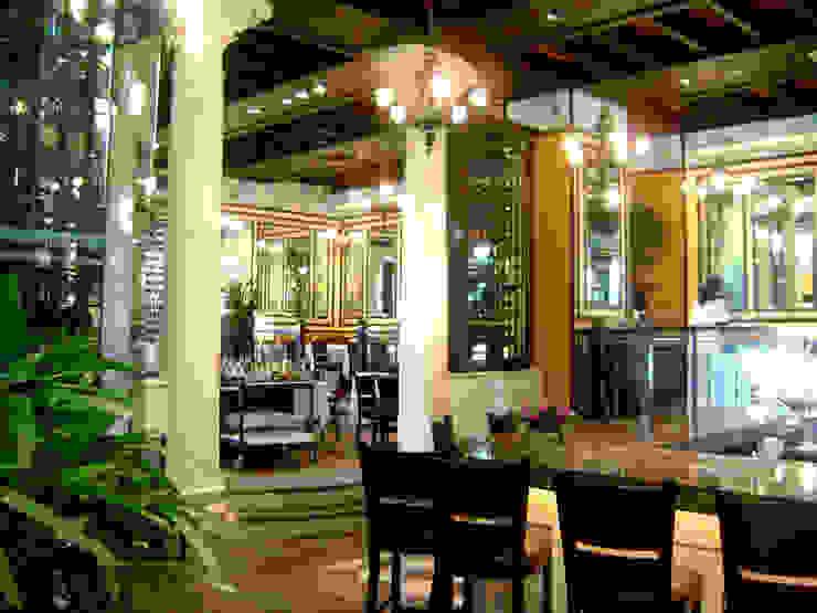 Lipp- Boue Arquitectos. Gastronomía de estilo clásico de Boué Arquitectos Clásico