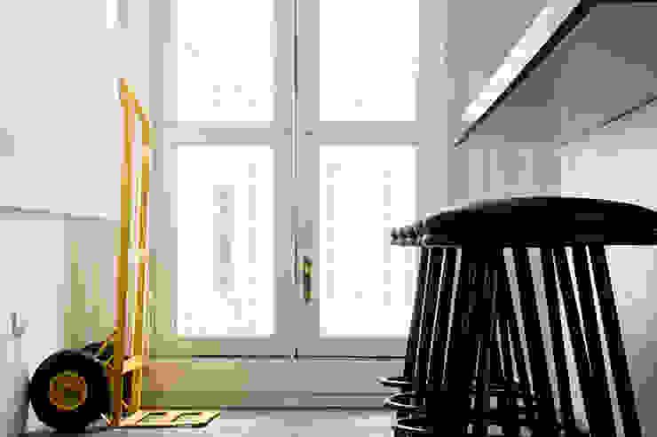 Apartamento en Sabana Grande Cocinas de estilo minimalista de PUNCH TAD Minimalista