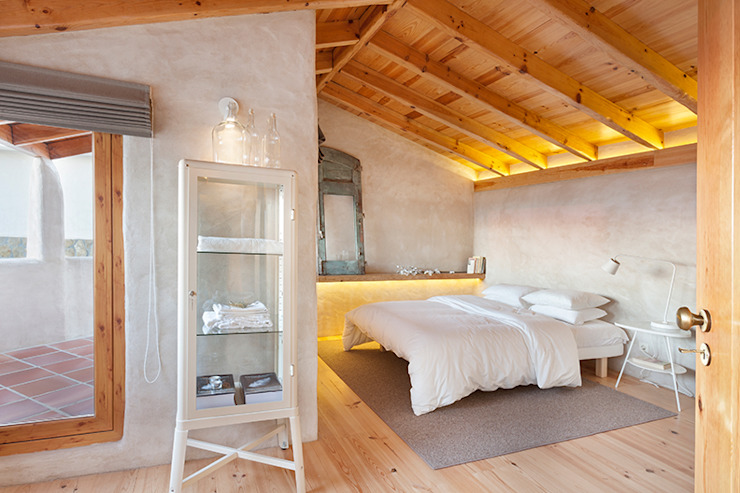 pedro quintela studio Country style bedroom Wood effect