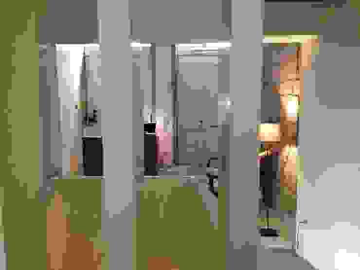 Piso 0 - Recepção Salas de estar ecléticas por Teresa Pinto Ribeiro   Arquitectura & Interiores Eclético