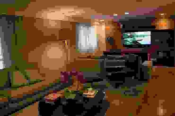 Living 4 MONICA SPADA DURANTE ARQUITETURA Salas de estar modernas