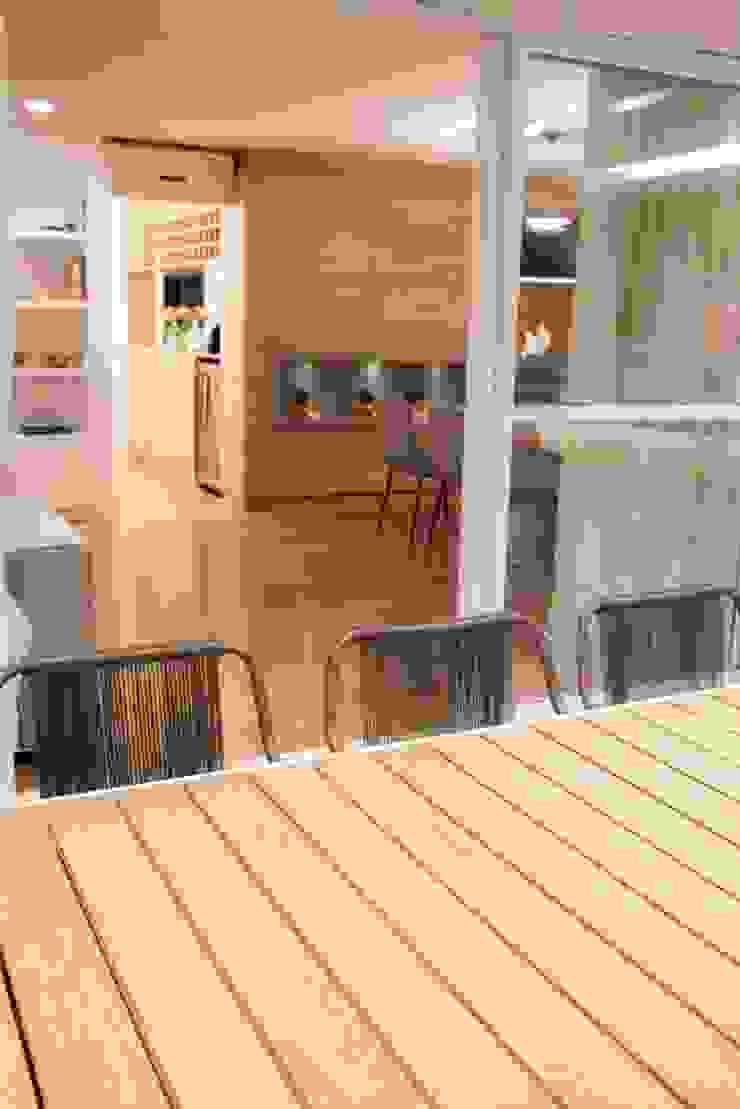 Adega integrada ao jantar MONICA SPADA DURANTE ARQUITETURA Adegas modernas
