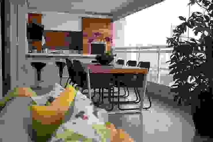 Varanda Gourmet 1 MONICA SPADA DURANTE ARQUITETURA Varandas, alpendres e terraços modernos